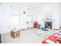 GEORGIAN STYLE 3 DOUBLE BED ** 1 BATH ** CLAPTON ** PART FURNISHED **