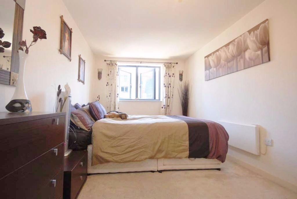 4 BEDS AVAILABLE!!1PERFECT FAMILY HOME CLOSE TO WIMBLEDON CHASE PRIMARY SCHOOL!!!