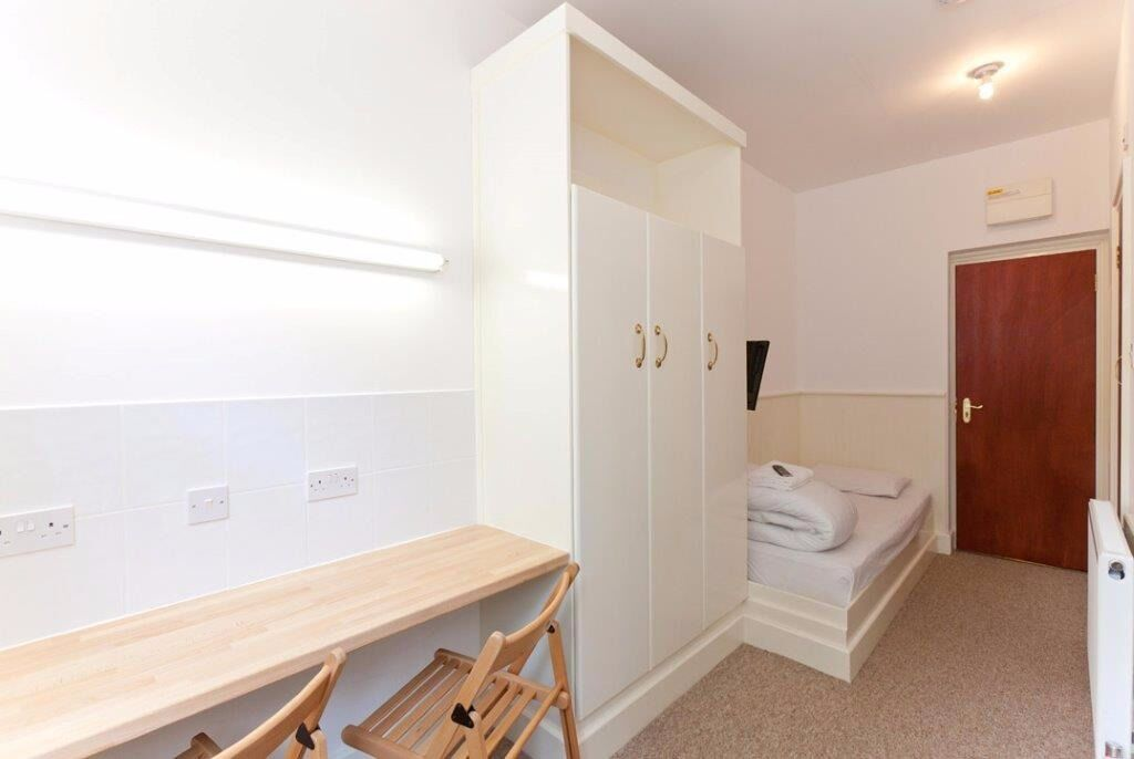Double studio swiss cottage £350 per week all bills included