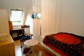 Golders Green Double room (2 available) in beautiful 3 bed flat. Best location 3 min from central GG