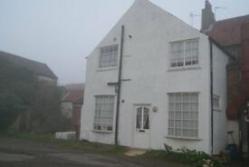 TO LET - 2 BEDROOMED HOUSE, BRIGG, £400pcm
