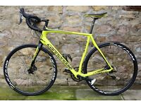 2016 CANNONDALE SYNAPSE CARBON ULTEGRA DISC ROAD RACING BIKE. COST £2600. MAVIC WHEELS. SUPERB ORDER