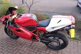 Stunning Red Ducati 996 superbike Motorcycle / Motorbike