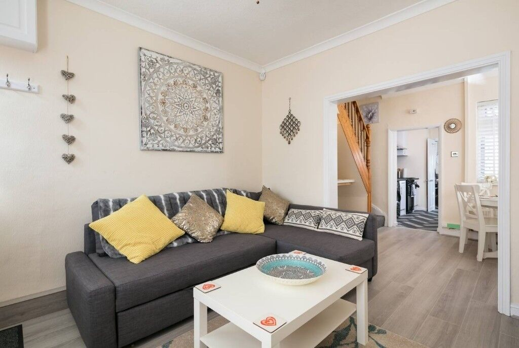 Short Term rental of a 2 bedroomed house near Everton F.C. ground ...