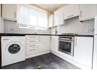SCORCHING HOT 4 BED HOUSE NEXT TO LADYWELL STATION- AVAILABLE NOW
