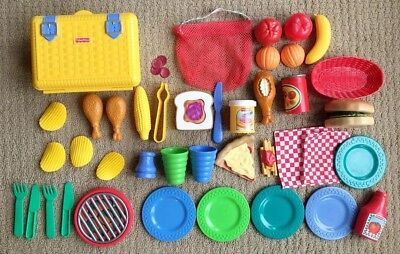 Fisher Price Play Food Picnic PB&J Pizza Chicken Hamburger Lunch Combo Mini Meal ()