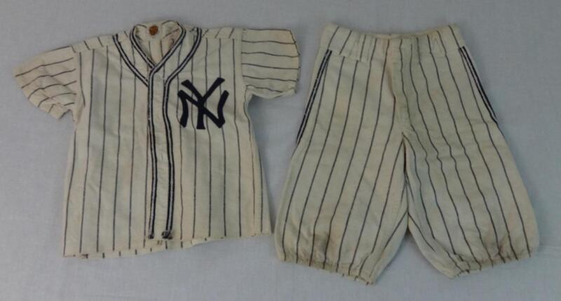 Fantastic Rare Vintage NY Yankees Child
