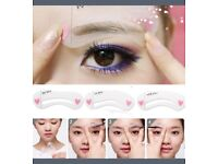 1 Set of 3pcs Exquisite Eyebrow Stencil Grooming Shaping Card Kit Template MakeUp Tool.