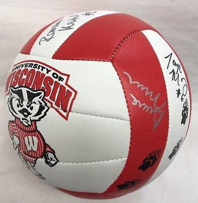 Autographed Molten NCAA Wisconsin Badgers Women's Volleyball Signed 2015