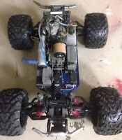 Gas powered radio controlled truck 4x4