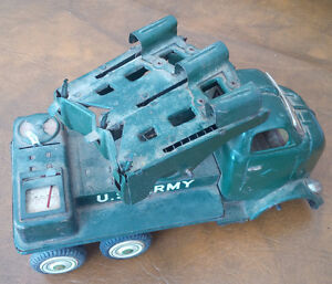 Old Metal U.S. Army Tank, Needs Front Wheels