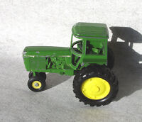 Toy Ertl John Deere 4230 Farm Tractor