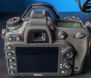 Caméra Nikon D7200/18-200 VR - Garantie jusqu'en Nov 2019!