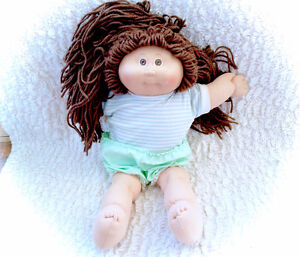 1983 Vintage Cabbage Patch Brunette Brown Long hair Doll
