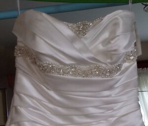 WEDDING DRESS, ANJOLIQUE, 8-10-12