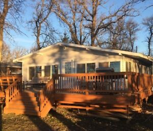 Waterfront Get Away located in Petersfield, Manitoba