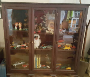 Beautiful Antique book case in excellent condition.