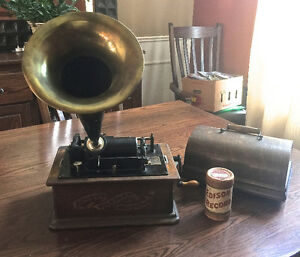 1901 Edison Model A Cylinder Phonograph & Case Full of Cylinders