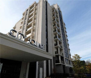 Rare First Floor, High Ceiling Open Concept 1 Br Unit + Parking!