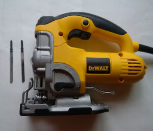 DeWalt DW331 Pro Variable Speed Orbital Jigsaw Like New w/Case..
