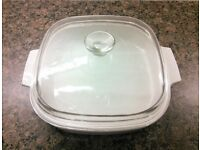 Corning Ware MW-A-10 Microwave Browning Dish with Lid In excellent condition.