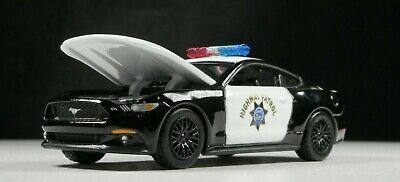 2017 Ford Mustang California Highway Patrol 1/64 SCALE DIORAMA DIECAST MODEL CAR