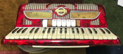 Pigini 4 Reed Vibrato chamber Accordion