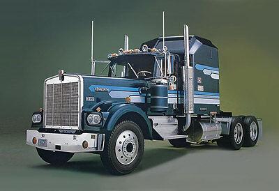 Monogram Kenworth W-900 Aerodyne Conventional 1/16 truck model kit new 2508