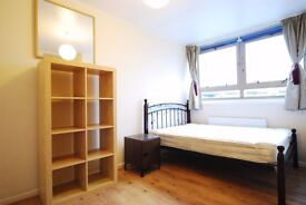Very Large Double Room in Maida Vale/Kilburn Park