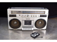 Boom-Box Vintage Sanyo Radio Cassette Recorder M9830K