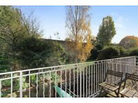 Amazing 2 bedroom / 2 bathroom flat - private gated development - avail 01/03