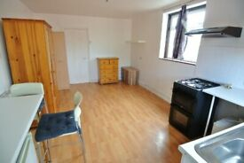 Ground floor studio with small garden in Dollis Hill. Inc all bills & 5 mins walk to station