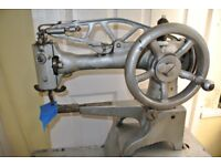 Singer 29K71 Cylinder Arm Leather Patcher Industrial Sewing Machine