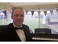 Wedding / Event Pianist UK Based, Pop/Rock, Cocktail Jazz, Classical (Carl the Pianist)
