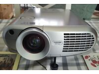 Toshiba LCD Projector with mobile arm for projecting documents or parts on screen