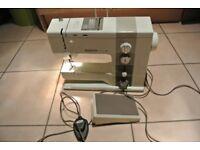 Bernina 930 Record Automatic 20 Multi stitch Zig Zag Sewing Machine
