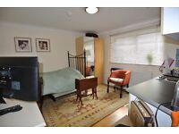WL260-3. Ground floor studio in excellent location of Willesden Green. Rent inc gas, water & c/tax