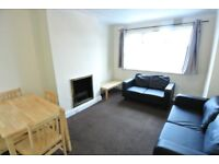 Newly decorated second floor 2 double bedroom flat with sep recp in Stanmore/Queensbury area