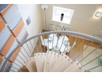 Shepperton Road, one bed flat within a gated development, split level, great secure location