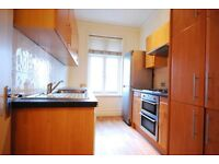 Maida Vale. Practical double room in private mansion block. 5 min to station.