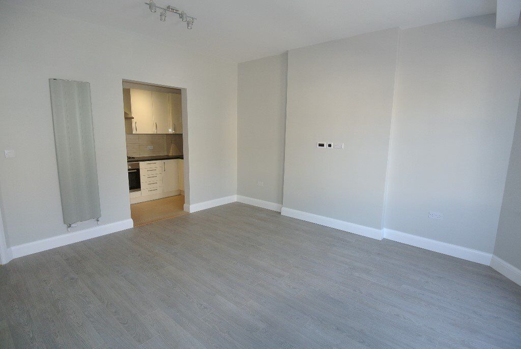 Fantastic recently refurbished ground floor 2 bed flat with sole use of 100ft gdn in Willesden Green