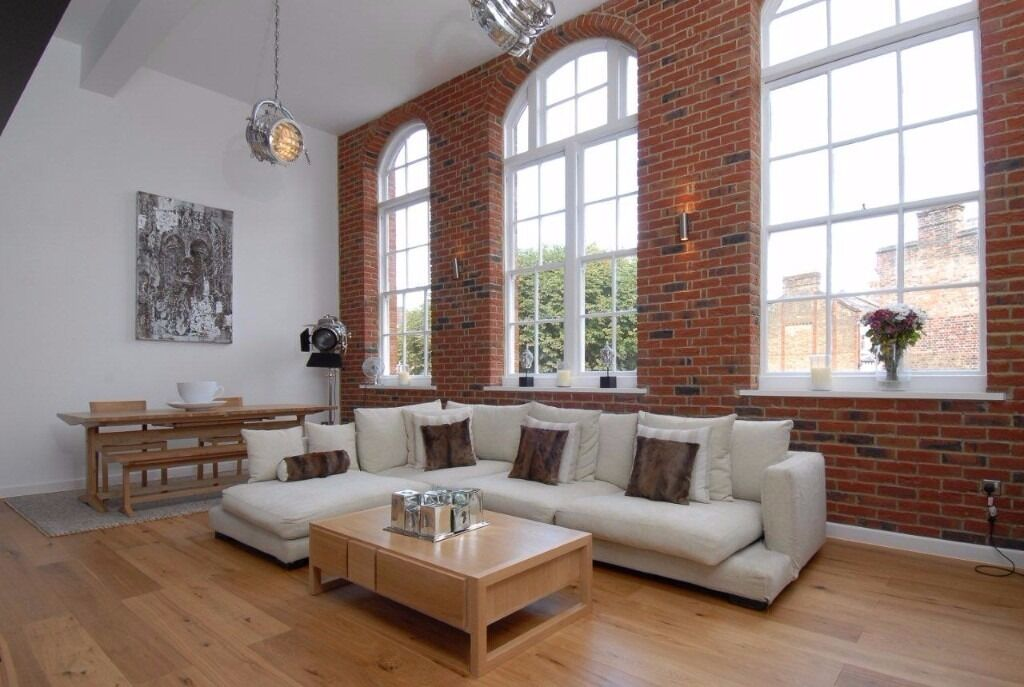 The best 4 bedroom house with private parking - Clapham