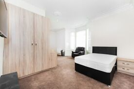 Luxury 1 Bed spacious Studio flats with en-suite's, Whitehall Terrace, Sunderland, SR4 7SP