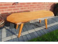 (#619) furniture solid wooden coffee table (Pick up only, Dy4 area)