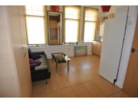 WK368-A. First floor one bedroom flat in excellent location of West Kensington.