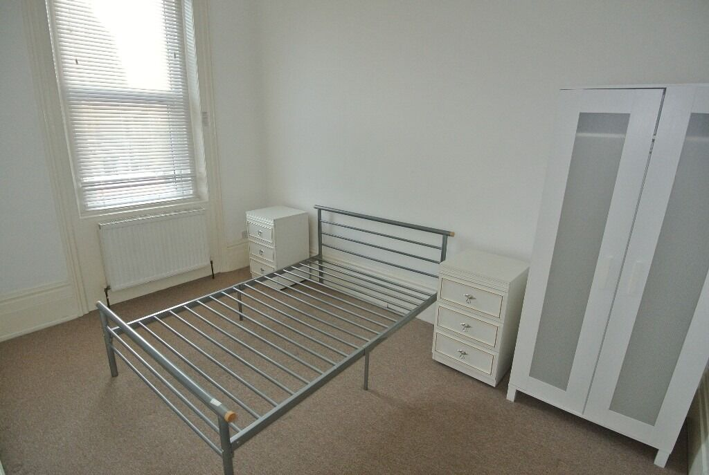 First floor 1 bedroom flat above shop on Craven Park Road, Harlesden