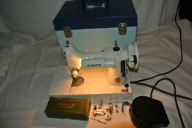 Immaculate Singer 221K Portable Featherweight Sewing Machine