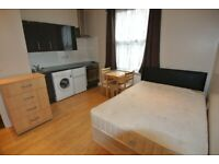 Ground floor studio in Cricklewood. Rent includes c/tax, gas, water + use of communal wi-fi