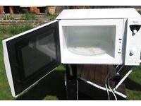 Whirlpool Easytronic 850 watt microwave oven