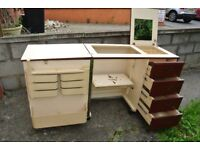Horn sewing machine Cabinet with airlift mechanism